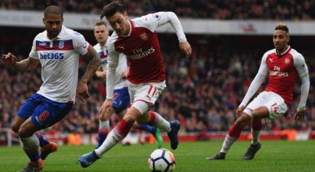 Mesut Özil oyun tanıtımında açıkladı! Önceliğim Arsenal