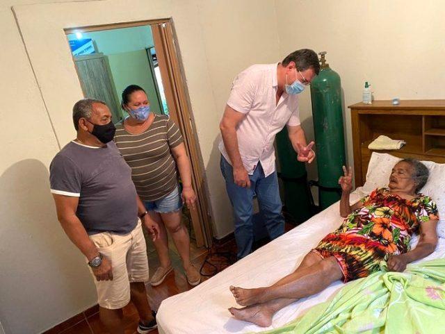 Roberto Carlos'un 100 yaşındaki babaannesi koronavirüsü yendi