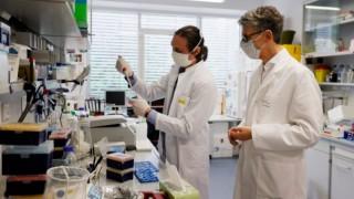 Dünyanın umutla beklediği koronavirüs aşısının fiyatı belli oldu